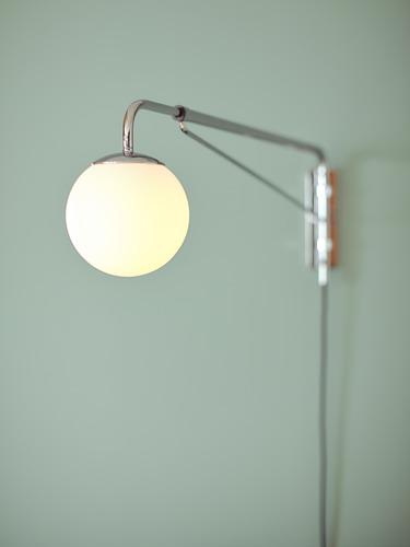 SIMRISHAMN wall lamp with swing arm